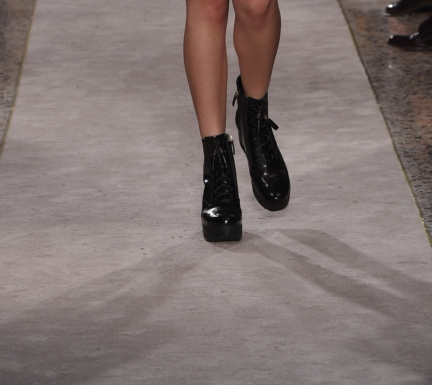 tods_close_up_shoes_15