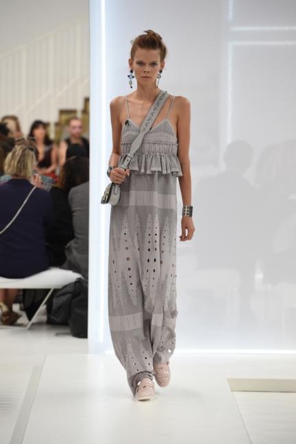 tods-milan-fashion-week-spring-summer-2016-27