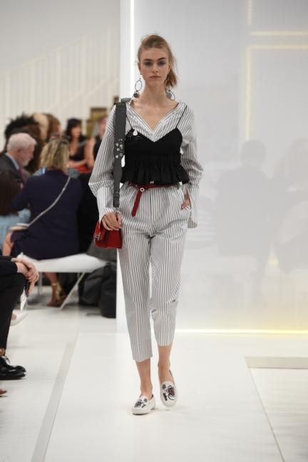 tods-milan-fashion-week-spring-summer-2016-4