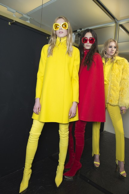 versace-milan-fashion-week-autumn-winter-2015-backstage-22