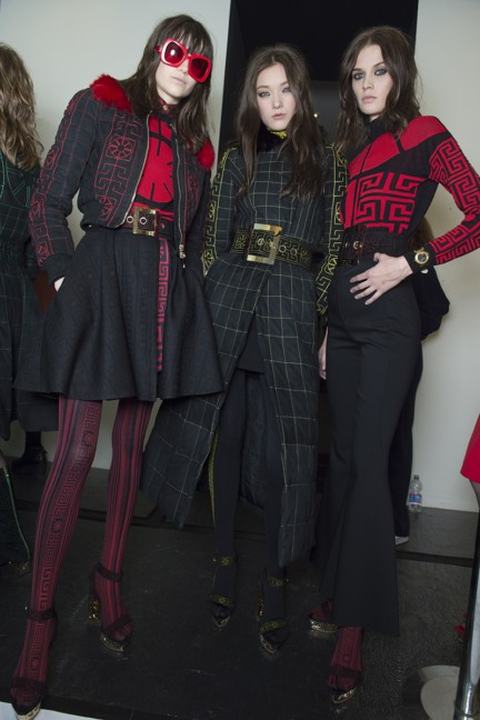 versace-milan-fashion-week-autumn-winter-2015-backstage-24