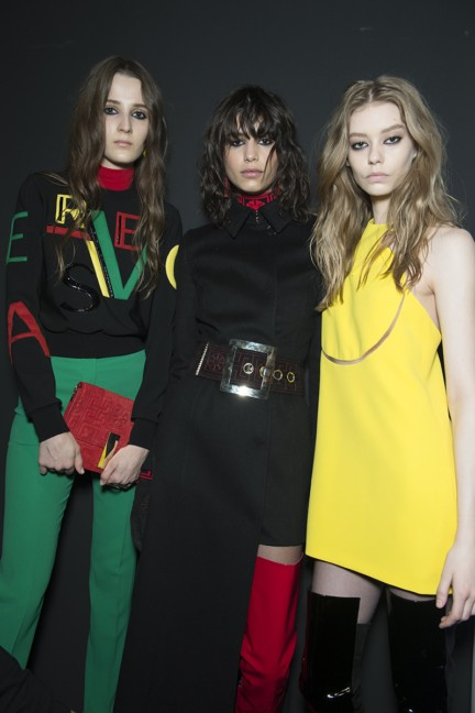 versace-milan-fashion-week-autumn-winter-2015-backstage-28