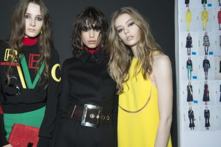 versace-milan-fashion-week-autumn-winter-2015-backstage-29