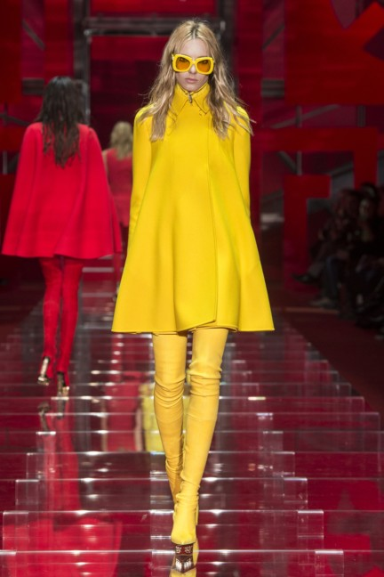versace-milan-fashion-week-autumn-winter-2015-runway-front-10