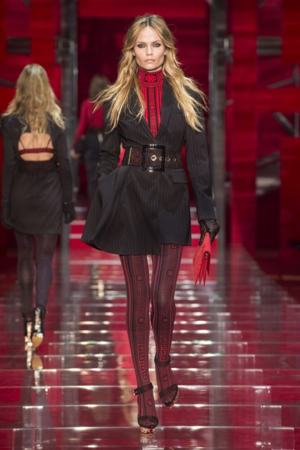 versace-milan-fashion-week-autumn-winter-2015-runway-front-7