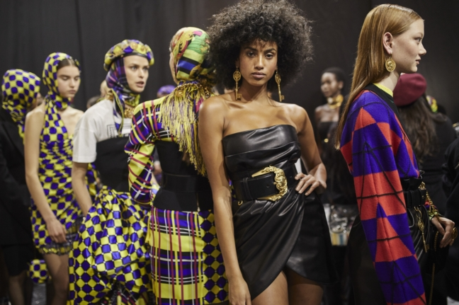 180223_versace_fashion-show_fw18_backstage_0242