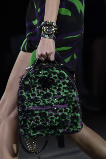 versace-milan-fashion-week-spring-summer-2016-show-detail-12