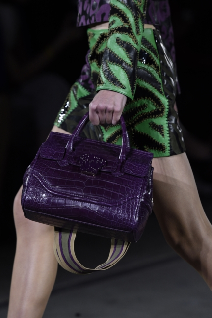 versace-milan-fashion-week-spring-summer-2016-show-detail-13