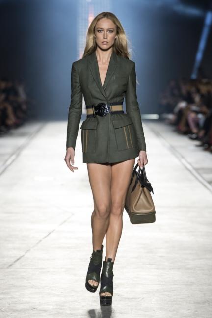 versace-women_ss16_look-1
