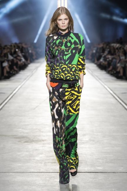 versace-women_ss16_look-32