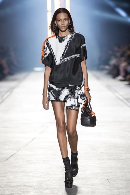 versace-women_ss16_look-36