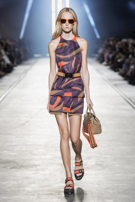 versace-women_ss16_look-37