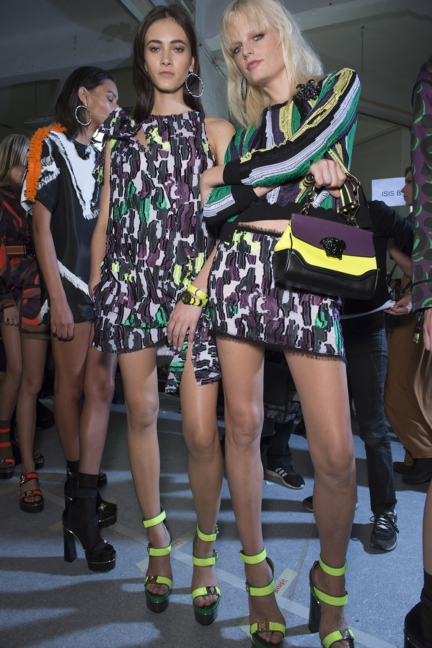 versace-milan-fashion-week-spring-summer-2016-backstage-268