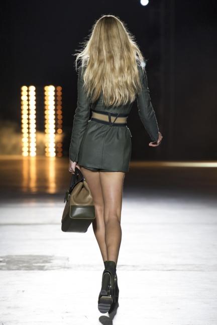 versace-women_ss16_look-1r