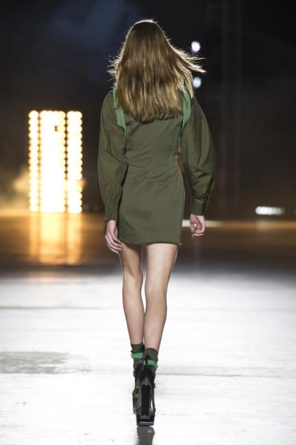 versace-women_ss16_look-6r