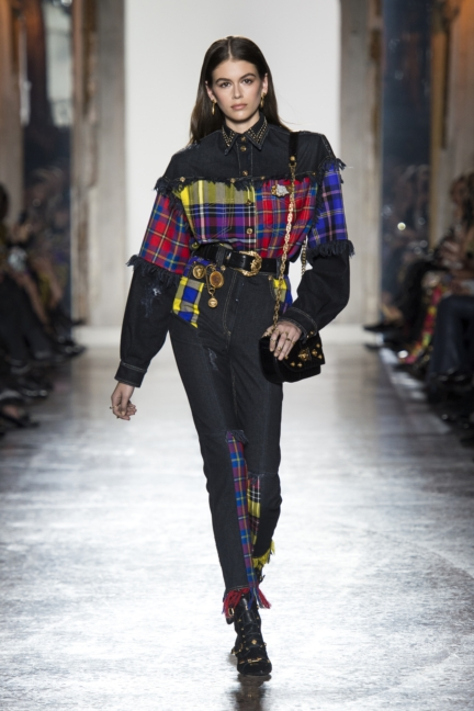 versace-women-fw18_look9