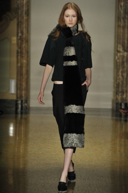 chicca-lualdi-beequeen-milan-fashion-week-autumn-winter-2014-00014