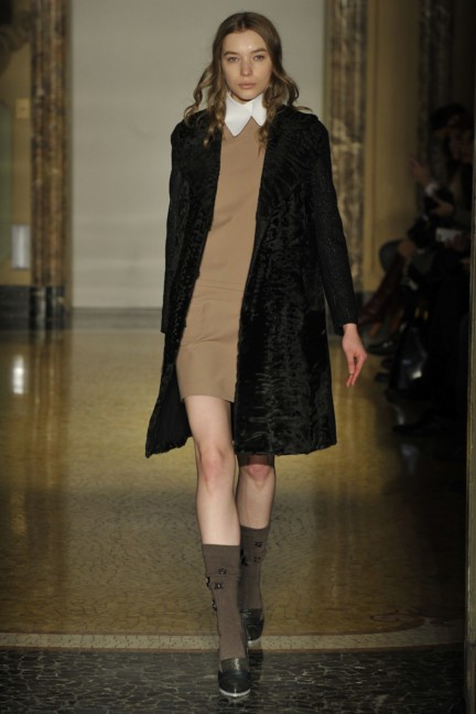 chicca-lualdi-beequeen-milan-fashion-week-autumn-winter-2014-00017