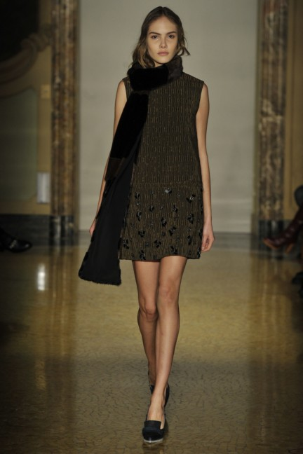 chicca-lualdi-beequeen-milan-fashion-week-autumn-winter-2014-00022