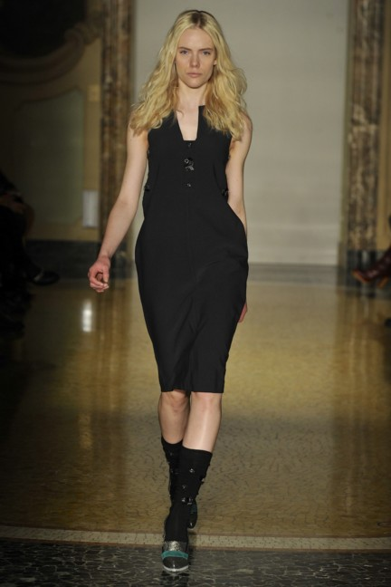 chicca-lualdi-beequeen-milan-fashion-week-autumn-winter-2014-00027