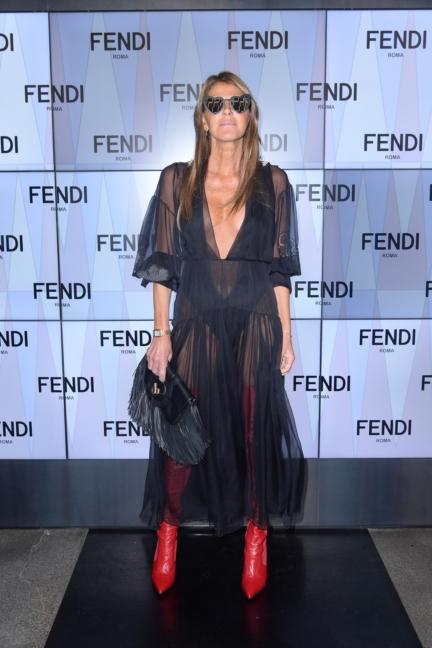 anna-dello-russo-fendi-ss18-womens-fashion-show