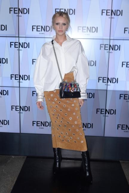 cailin-russo-fendi-ss18-womens-fashion-show