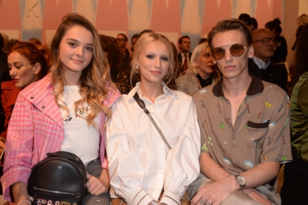 charlotte-lawrence-cailin-russo-and-jamie-campbell-bower-fendi-ss18-womens-fashion-show