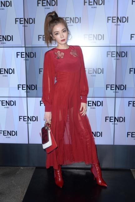 jeannie-hsieh-fendi-ss18-womens-fashion-show