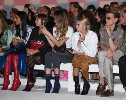 levante-leonetta-luciano-fendi-cailin-russo-and-jamie-campbell-bower-fendi-ss18-womens-fashion-show