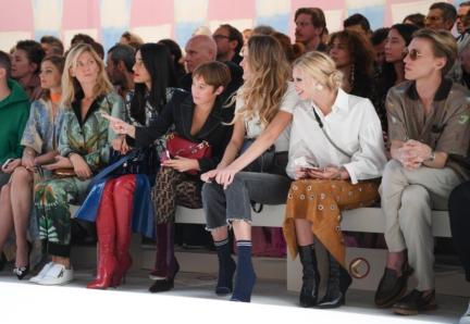 levante-leonetta-luciano-fendi-cailin-russo-and-jamie-campbell-bower-fendi-ss18-womens-fashion-show_02