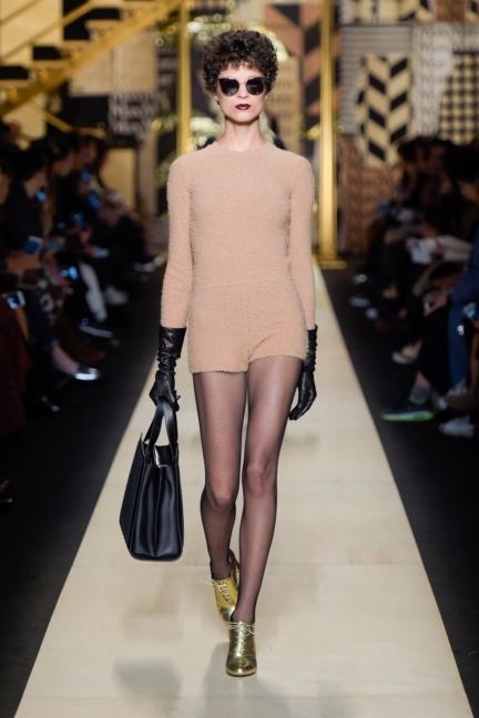 maxmara-milan-fashion-week-autumn-winter-2016-39