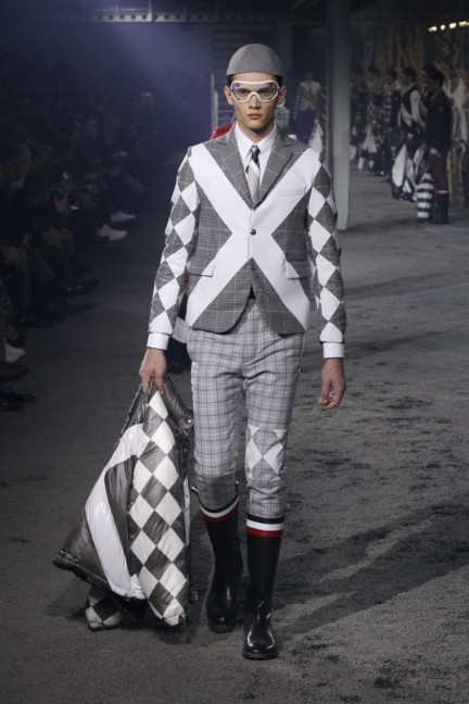 moncler-gamme-bleu-milan-mens-autumn-winter-2015-runway-29