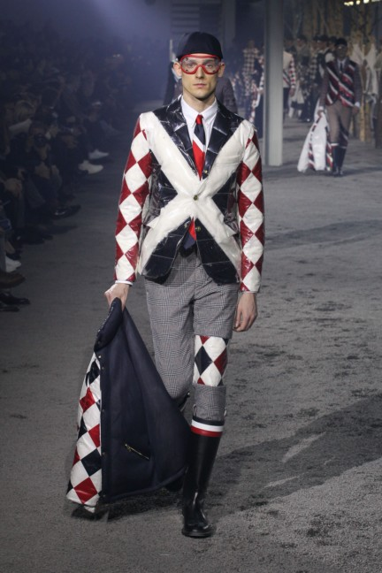 moncler-gamme-bleu-milan-mens-autumn-winter-2015-runway-32
