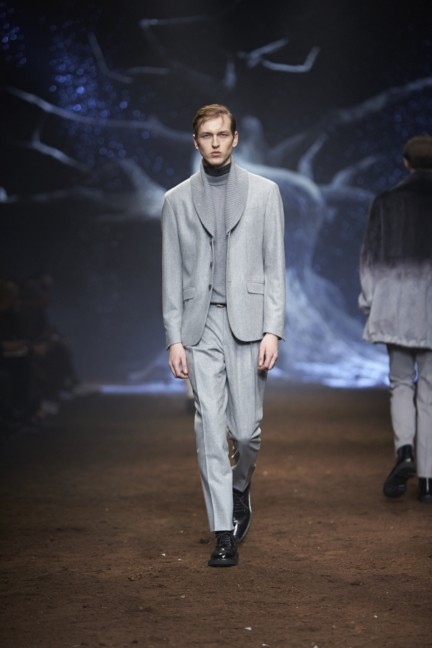 corneliani-milan-fashion-week-mens-autumn-winter-2015-35