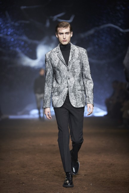 corneliani-milan-fashion-week-mens-autumn-winter-2015-45