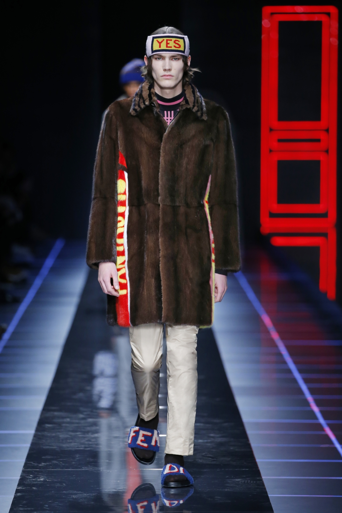 fendi-men-fw16-17-look-10