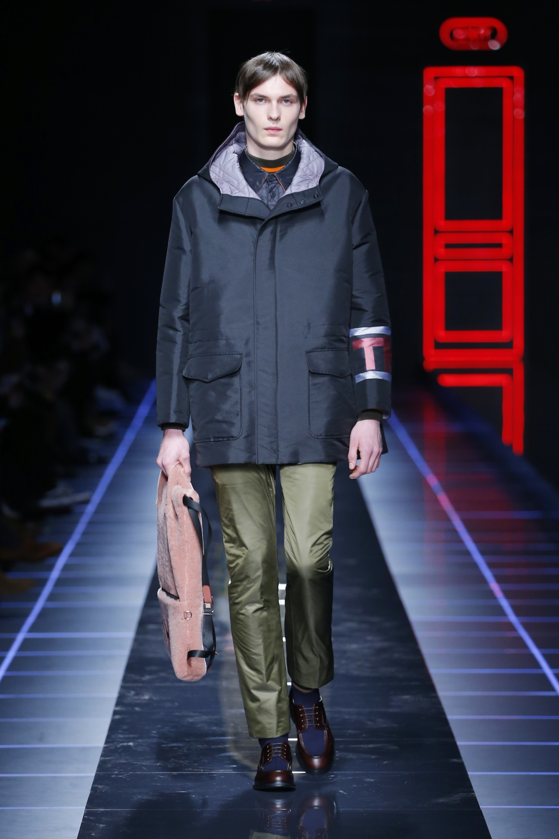 fendi-men-fw16-17-look-16