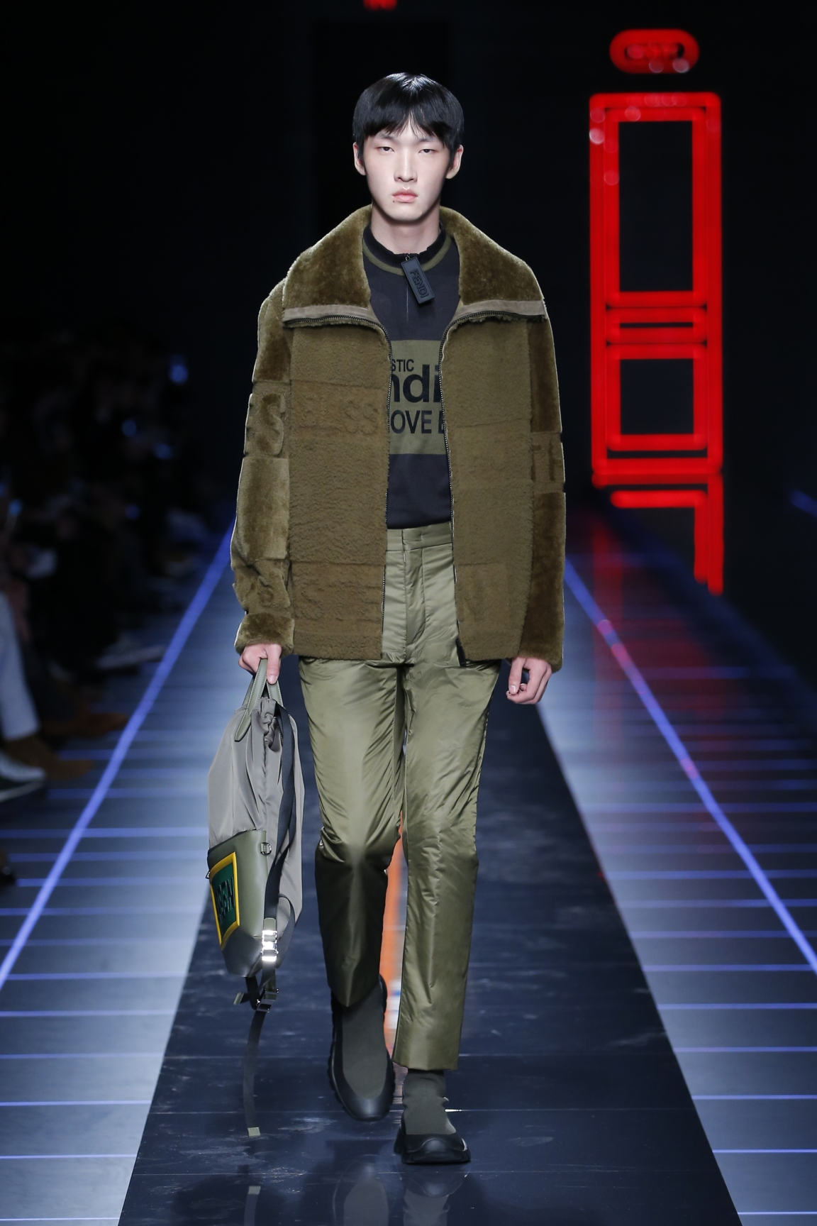 fendi-men-fw16-17-look-17