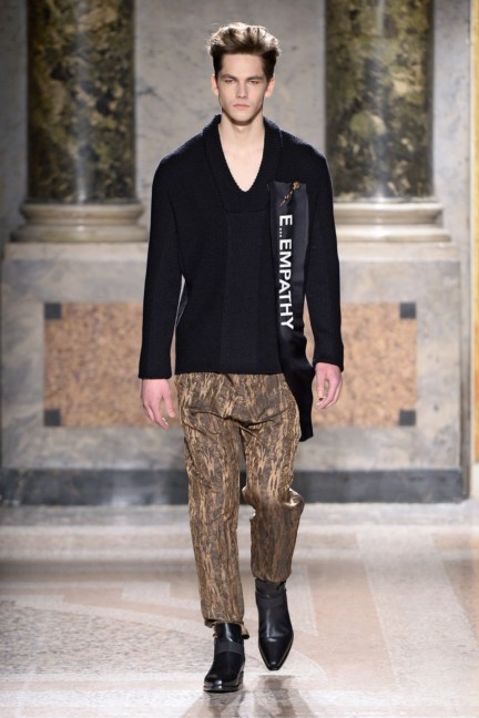 roberto-cavalli-milan-mens-autumn-winter-2015-10