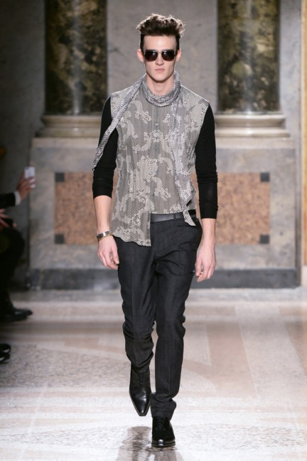 roberto-cavalli-milan-mens-autumn-winter-2015-14