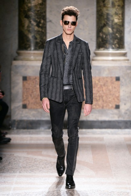 roberto-cavalli-milan-mens-autumn-winter-2015-18