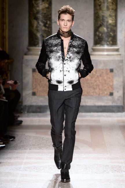 roberto-cavalli-milan-mens-autumn-winter-2015-20