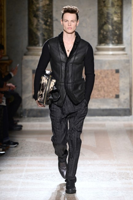 roberto-cavalli-milan-mens-autumn-winter-2015-24