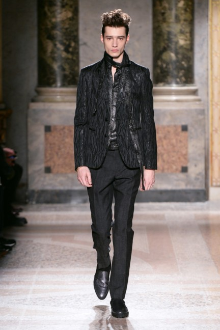 roberto-cavalli-milan-mens-autumn-winter-2015-34