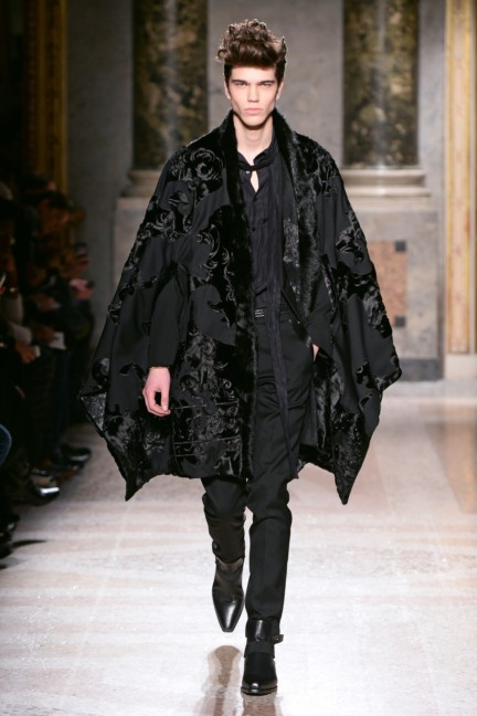 roberto-cavalli-milan-mens-autumn-winter-2015-35