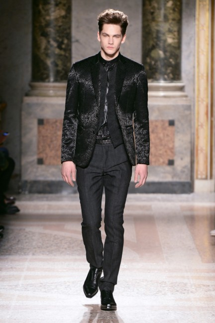 roberto-cavalli-milan-mens-autumn-winter-2015-38
