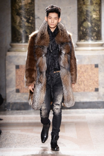 roberto-cavalli-milan-mens-autumn-winter-2015-9