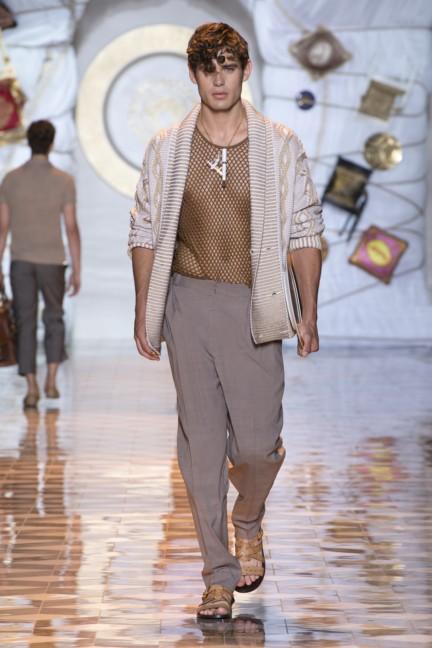 versace-milan-mens-spring-summer-2015-runway-images-11