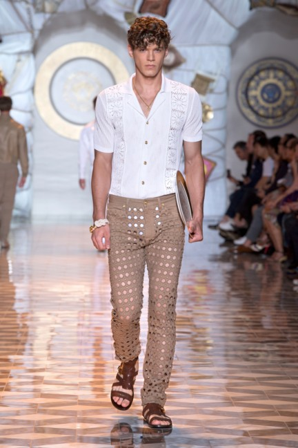 versace-milan-mens-spring-summer-2015-runway-images-12