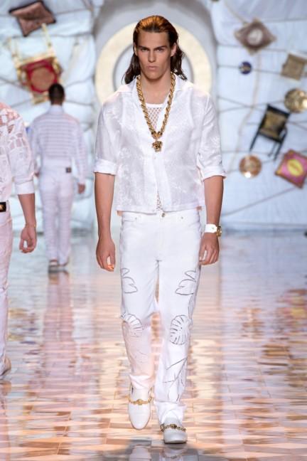 versace-milan-mens-spring-summer-2015-runway-images-16